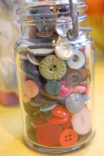 Buttonjarcloseup1